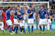 欧青赛:库特罗内小基耶萨齐破门,意大利3-1比利时.jpg