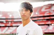 19岁被誉为新C罗,为何马德里竞技愿为他花费1.26亿欧元的天价.jpg