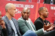 回忆满满!科比和吉诺比利一同观战篮球世界杯半决赛.jpg
