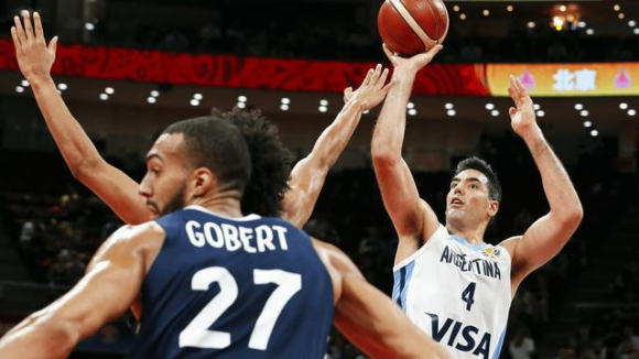 阿根廷胜法国,挺进男篮世界杯决赛将战西班牙!斯科拉砍28+13.jpg