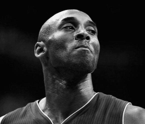 科比不幸坠机去世,李现汪峰高晓松发文悼念:天堂依旧有篮球陪伴你.jpg